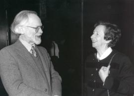 Michael J. Bishop y Margarita Salas. Reuniones Internacionales sobre Biología New perspectives in cancer research, 1999