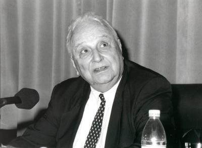 Symour M. Lipset. Profesor de seminario. Curso 1998-99