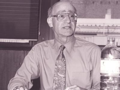 Sidney Tarrow. Profesor de seminario. Curso 1999-2000