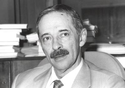 Julio Segura. Profesor de seminario. Curso 2000-01