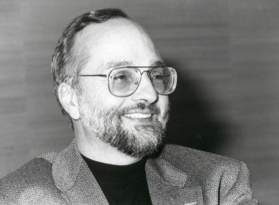 Herbert Kitschelt. Profesor de seminario. Curso 2000-01