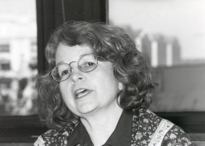 Bárbara Geddes. Profesora de seminario. Curso 2000-01