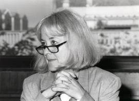 Nancy Bermeo. Profesora de seminario. Curso 2000-01, 2001
