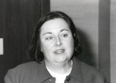 Susanne Lohmann. Profesor de seminario. Curso 2001-02
