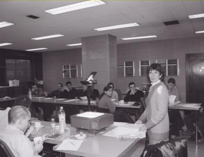 Carlota Solé y alumnos del Centro. Profesora de seminario. Curso 2002-03