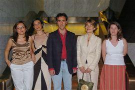 Laura Morales Diez de Ulzurrun, Irene Martín Cortés, Elisa Díaz Martínez, Henar Criado Olmos y Javier Ramos Díaz. Entrega diplomas de Maestros y Doctores del CEACS, 2004