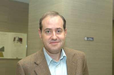 Carles Boix. Profesor de seminario. Curso 2004-05