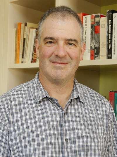 Ted Gerber. Profesor de seminario.