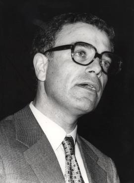 Vitor Manuel Aguiar e Silva. Ciclos de Conferencias IV Centenario de Luis de Camoens, 1980