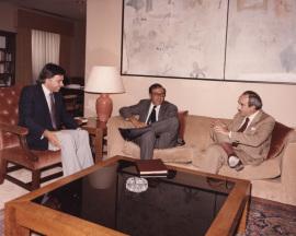 Felipe González, Juan March Delgado y José Luis Yuste Grijalba. Audiencia Presidencial, 1983