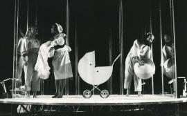 Representación teatral de Gabinete Libermann por Els Joglars. Cultural Albacete, 1985