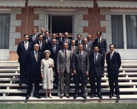 Leopoldo Calvo Sotelo, Soledad Ortega, Juan Carlos de Borbón, Juan March Delgado, Romano Prodi, José Luis Yuste Grijalba. Concesión del III Premio Juan Lladó a la Fundación Juan March, 1988