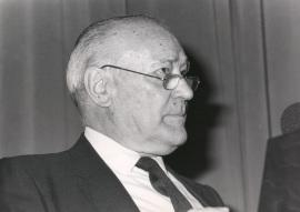 José Cepeda Adán. Presentación de la Colección completa de Tierras de España, 1988