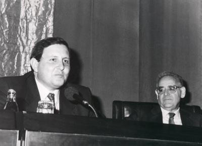 Gustavo Villapalos y Eduardo García de Enterría. Presentación del libro-homenaje a Eduardo García de Enterría