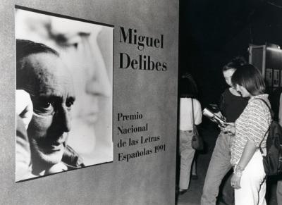 Cartel anunciador del ciclo Encuentro con Miguel Delibes