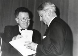 Wido Hempel y Cristóbal Halffter. Acto de entrega del Premio y Beca Montaigne/94, 1994