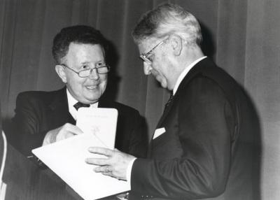 Wido Hempel y Cristóbal Halffter. Acto de entrega del Premio y Beca Montaigne/94