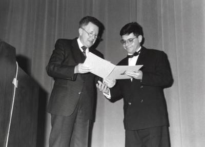 Wido Hempel y Enric Riu. Acto de entrega del Premio y Beca Montaigne/94