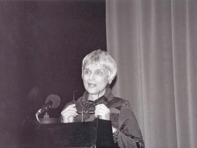 Angelika Theile-Becker. Homenaje a Carlos Bousoño en su 80º Aniversario