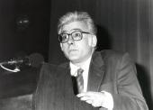 Ángel González García. Exposición Malevich Colección del Museo Estatal Ruso, San Petersburgo, 1993