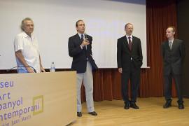 Gary Hill, Holger Broeker, Manfred Müller y Manuel Fontán del Junco. Exposición Gary Hill. Imágenes de luz Obras de la colección del Kunstmuseum Wolfsburg, 2006