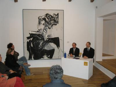 Holger Broeker y Manuel Fontán del Junco. Exposición Gary Hill. Imágenes de luz Obras de la colección del Kunstmuseum Wolfsburg
