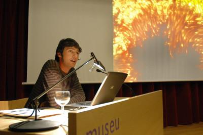 Josep Perelló en el curso Arte Multimedia.¿Es la ciencia el nuevo arte?
