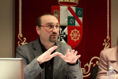 Javier Ariza en el curso Arte y Percepción.Arte y precepción sonora