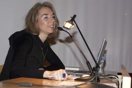 Bibiana Crespo Martín en el curso Formas artísticas y experiencias estéticas en los años 60 y 70: El libro de artista, 2010