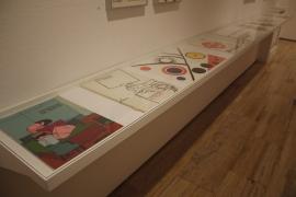 Vista parcial. Exposición Libros (y otras publicaciones) de artista, 1947-2013, 2015