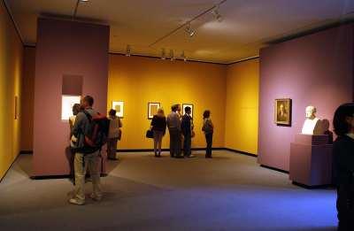 Vista parcial. Exposición Caspar David Friedrich: Arte de dibujar