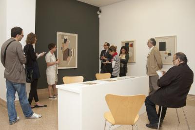 Vista parcial. Exposición Willi Baumeister (1889-1955) Pinturas y dibujos