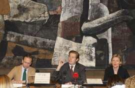 Manuel Fontán del Junco, Javier Gomá Lanzón y Christina Grummt. Rueda de prensa exposición Caspar David Friedrich: Arte de dibujar, 2009