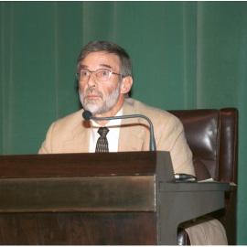 Geoffrey Parker. Conferencia sobre La crisis de la Monarquía española 1640-68 - La crisis mundial del siglo XVII , 2004