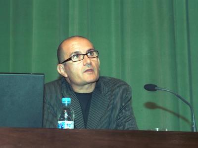 José Miguel García Cortés. Conferencia sobre Paseos entre el amor y la muerte - Medio siglo de Arte