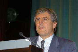 José López-Barneo. Conferencia sobre Presente y futuro de las terapias celulares en las enfermedades neurodegenerativas - Medio siglo de Biología , 2005