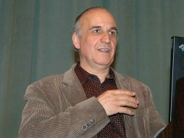 Jaume Bertranpetit. Conferencia sobre Reconstruyendo la historia de la humanidad a partir del genoma - Los nuevos retos de la biología: de los Neandertales al Prestige , 2006