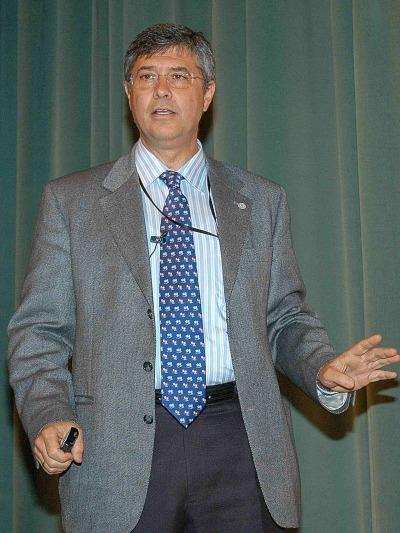 Juan Luis Ramos Martín. Conferencia sobre La contaminación química como problema y la biología como solución - Los nuevos retos de la biología: de los Neandertales al Prestige