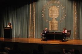 Lucía Franco, José Luis Sampedro y Olga Lucas. José Luis Sampedro en diálogo con Olga Lucas, 2011