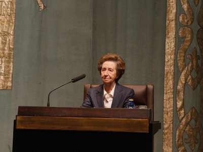 Margarita Salas en diálogo con Soledad Puértolas