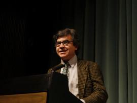 Manuel Hidalgo. sobre Amanecer - Melodrama y star-system, 2010