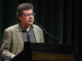 Manuel Hidalgo. En cine mudo Escurrir el bulto - La comedia cinematográfica , 2014