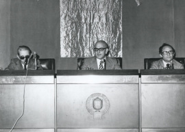 Gonzalo Torrente Ballester, José Mª Martínez Cachero y Joaquín Marco. Conferencia sobre Vicente Soto en diálogo con Dámaso Santos - Novela española contemporánea , 1975