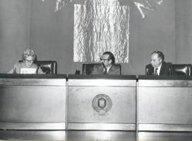 Rosa Chacel, Eugenio de Bustos y Francisco Ynduráin Muñoz. Conferencia en el ciclo Literatura Viva, 1976