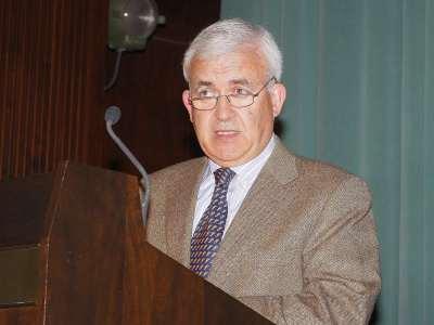 Octavio Ruiz-Manjón. Conferencia sobre Francisco Giner de los Ríos, eminencia en la sombra - Españoles eminentes II