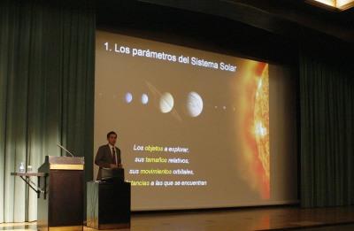 Héctor Guerrero Padrón. Conferencia sobre La exploración robótica del Sistema Solar - El Sistema Solar