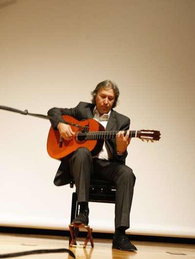 Adolfo Perales. Conferencia sobre Un recorrido por el flamenco