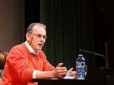 Luis d' Ors. Conferencia sobre El surrealismo en escena: teatro y surrealismo - Surrealismos...