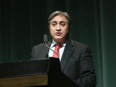 José Luis Corral. En conferencia sobre La catedral gótica: el edificio de la luz - Catedrales góticas