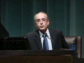 Javier Martínez de Aguirre. En conferencia sobre La catedral de Toledo: tradición y vanguardia - Catedrales góticas , 2013